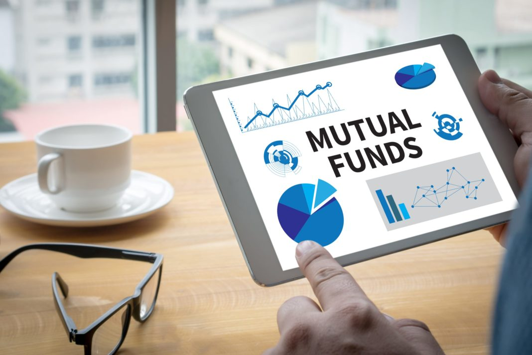 封闭式平衡共同基金:Center Coast MLP & Infrastructure Fund(CEN)